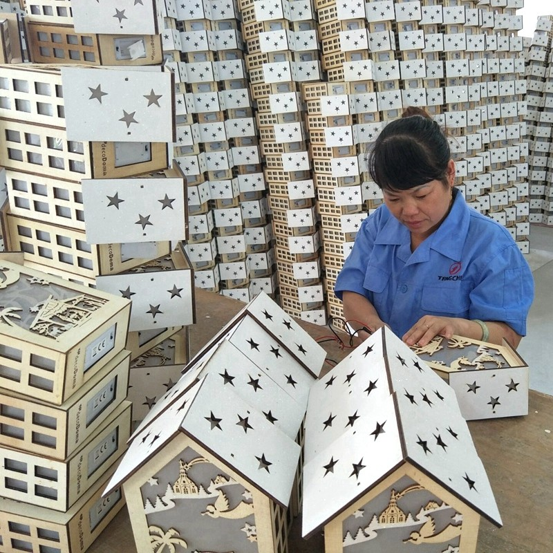 Wooden decorations production process